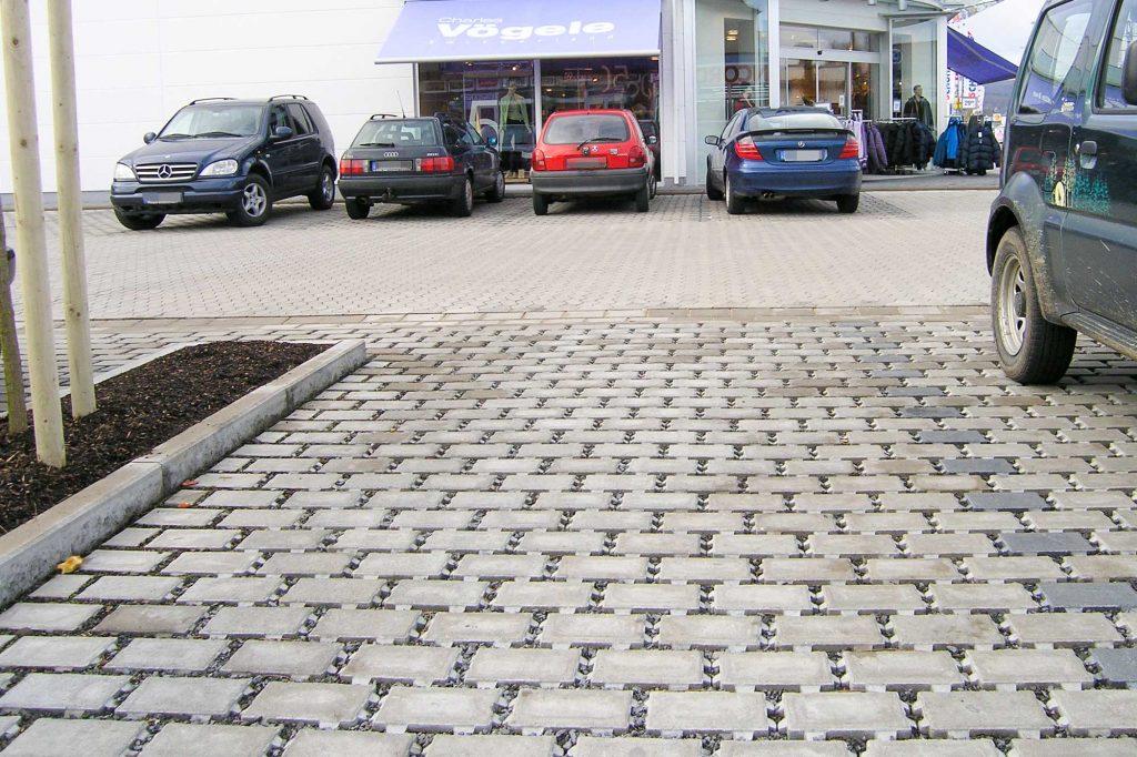 Öko Rasen Pflastersteine als Parkplatz