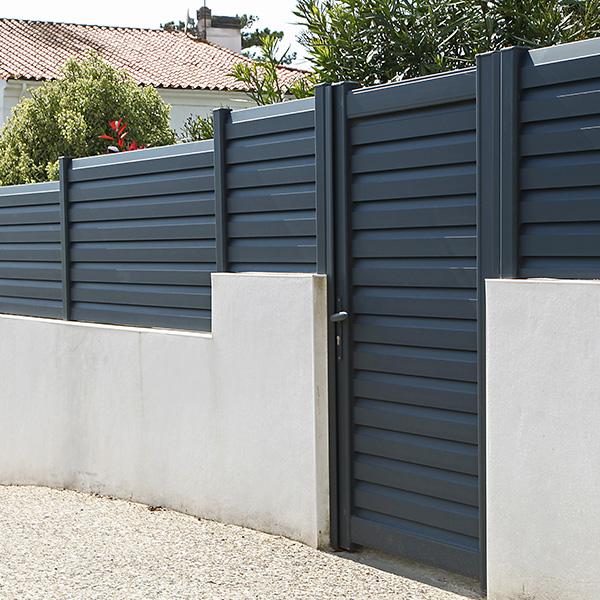 Mauersteine Schalsteine am Garten
