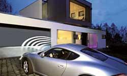 Garage mit schnellen Torantrieb