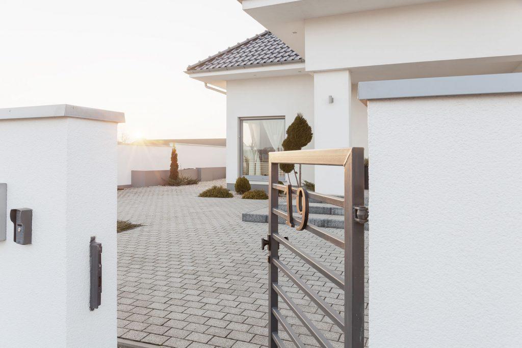 Pflastersteine zur Gestaltung des Eingangsbereiche eines Haus