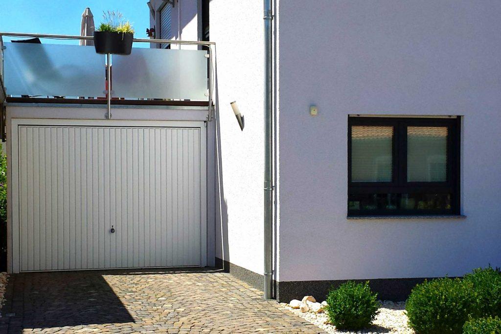 Garage am Haus