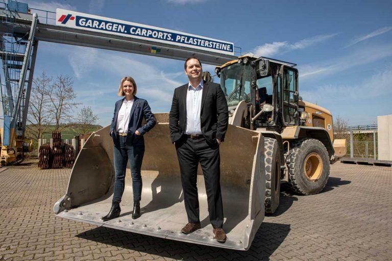 Baustoffmarkt Geschäftsführer Oliver Ehlenz und und Mirjam Plötner-Wall